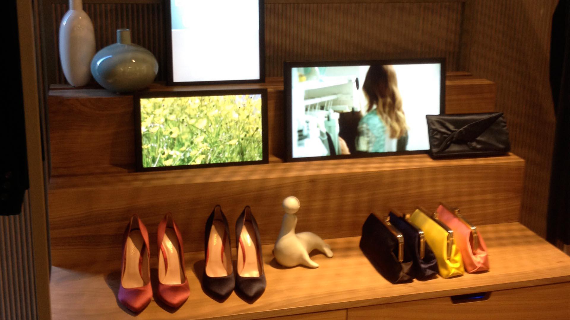 Monitor video-Max And Co Milano-lorri