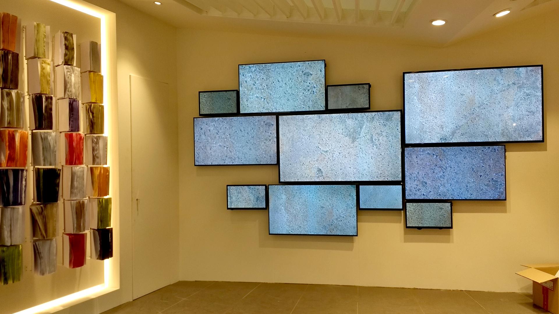 Tosilab Cersaie- installazione multi monitor-lorri