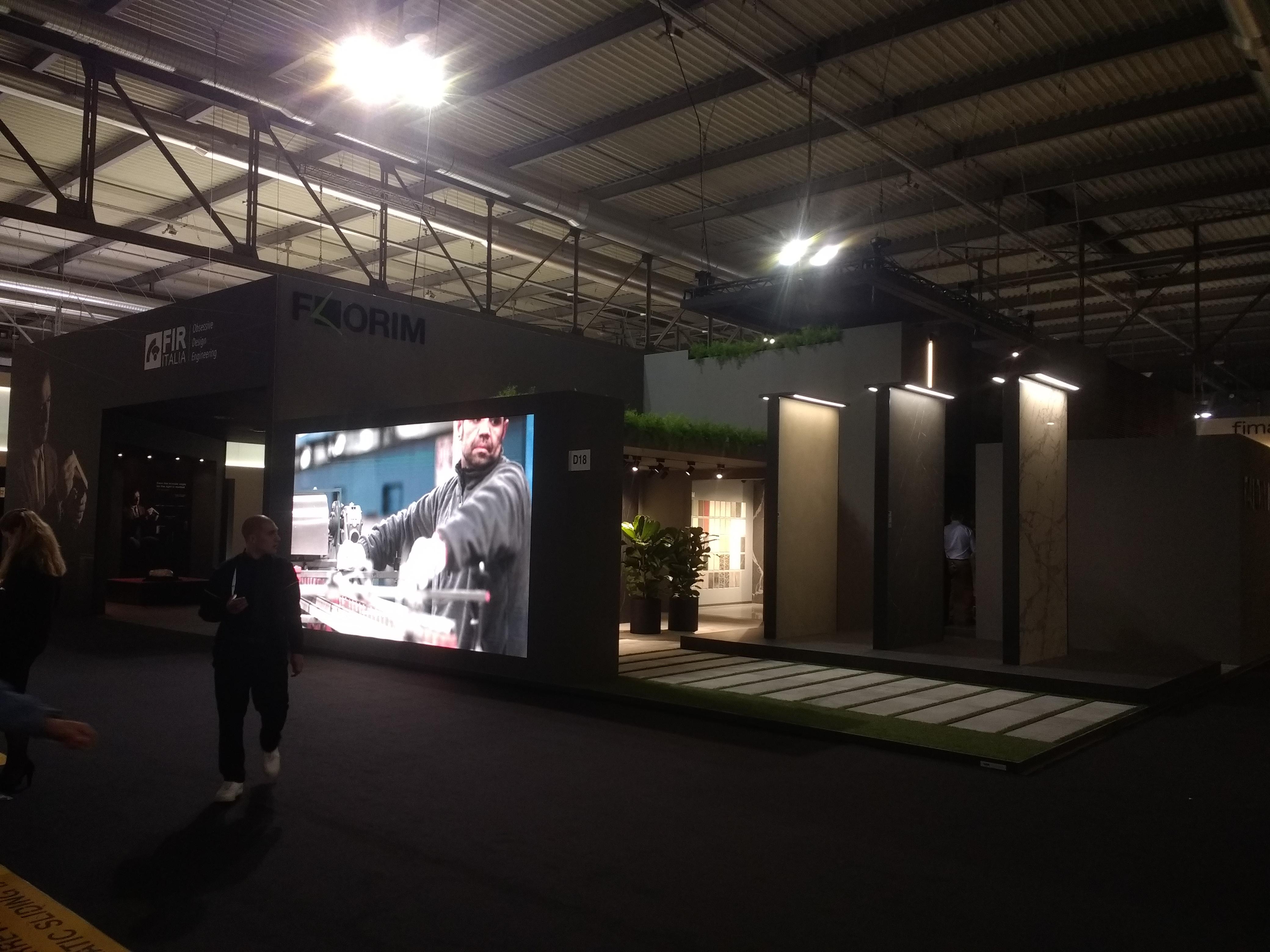 salone del mobile- ledwall florim-lorri